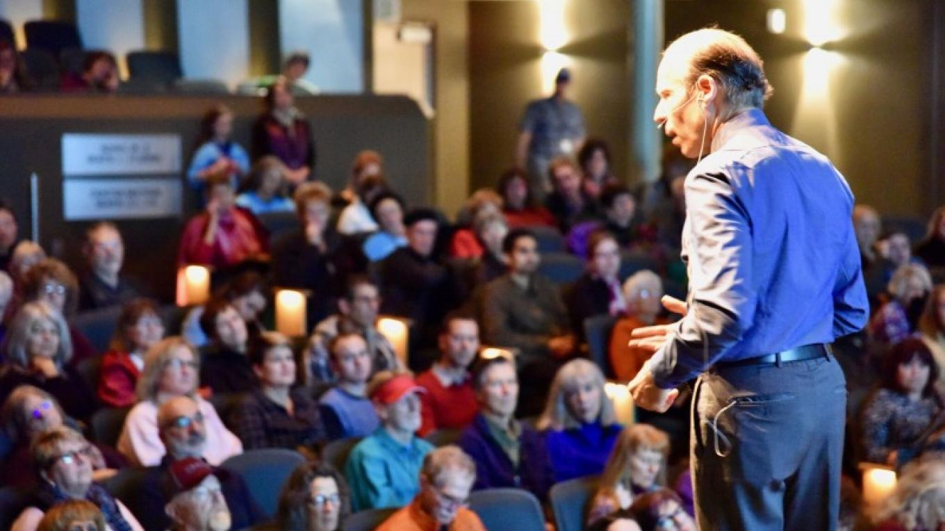 Dr. Joel Fuhrman captivated the crowd at Sedona VegFest 2017, describing the medical benefits of a whole-food, plant-based diet. – Don Fries
