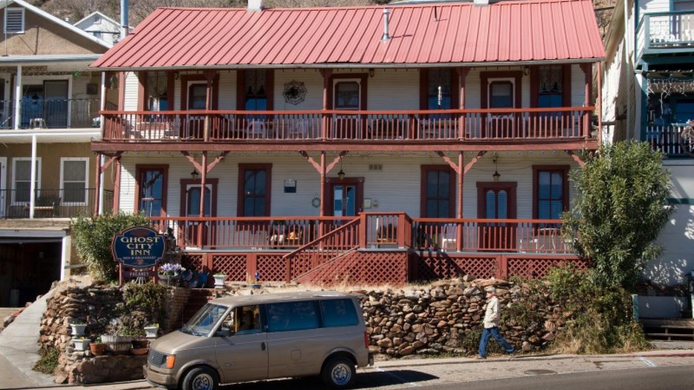 The Ghost City Inn. – Allen L. Muma