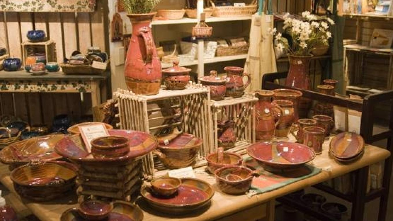 Kurt's ceramics reflect the glow of Sedona's red rocks. There are many shapes, sizes, and uses for your home...vases, serving ware, dispensers and trays abound. – Zonies Galleria