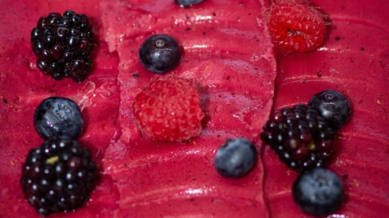Frutti di Bosco / Mixed Berries -- You know it's made from scratch because you can see the seeds! – Essential Photography
