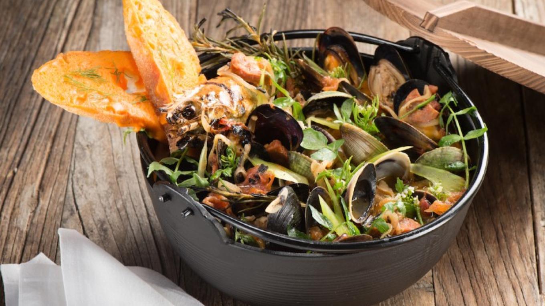 Steamed Mussels – Dean Stevenson