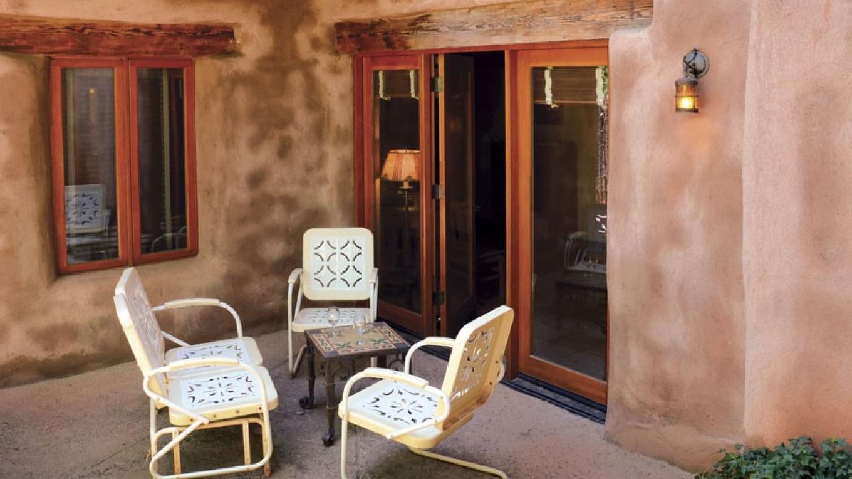 El Portal Sedona - The Garden Court Suite Patio – Sunflower Studios