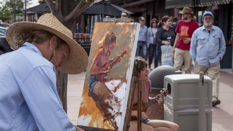 Carl Ortman paints from life at the Sedona Plein Air Festival – Kelli Klymenko