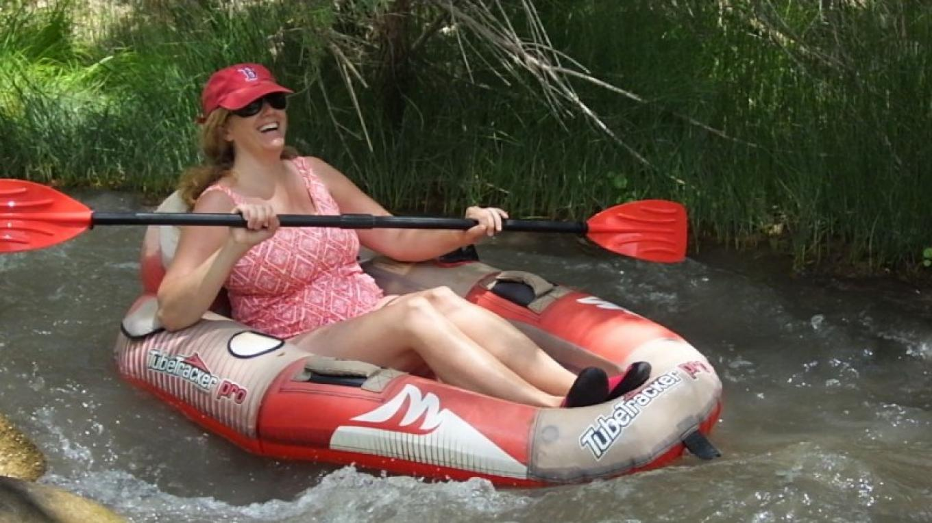 During the summer months, Verde Adventure Tours rents Tubetracker tubes for playing on the Verde River. – Al Comello