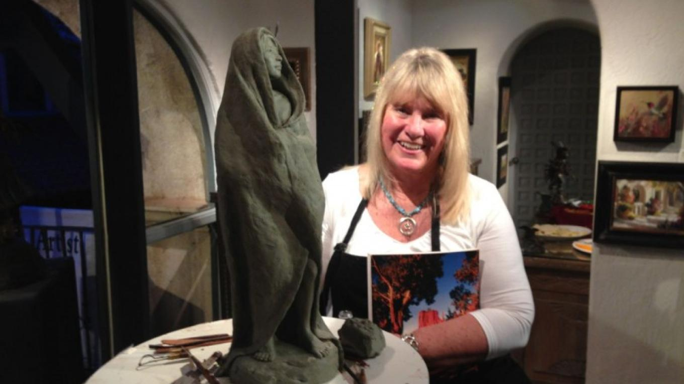 Sculptor Susan Kliewer at Mountain Trails Gallery during 1st Friday in the Galleries – Mindy Mendelsohn