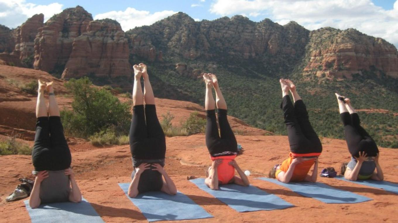 Bottoms up! Red Rock Shoulder Stand – Johanna Mosca