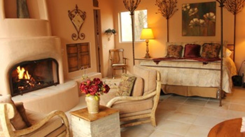 Sunset Villa at Adobe Village Inn – C. Horwart