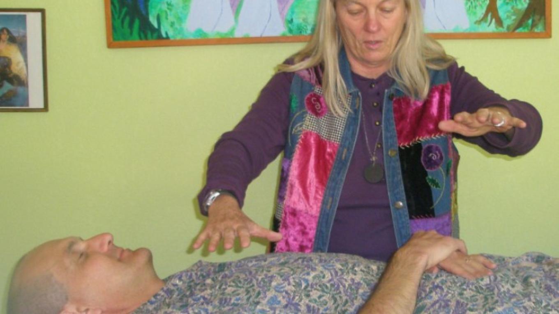 Sedona Healer Cynthia Tierra of Healing From The Heart at work – Gino Romeo