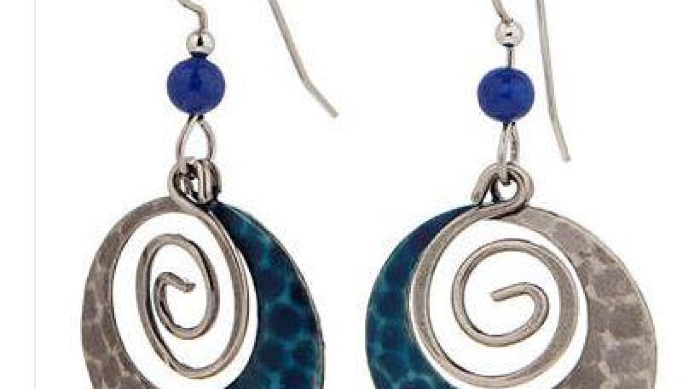 Great selection of fashion jewelry, especially earrings! – Pam Freeman