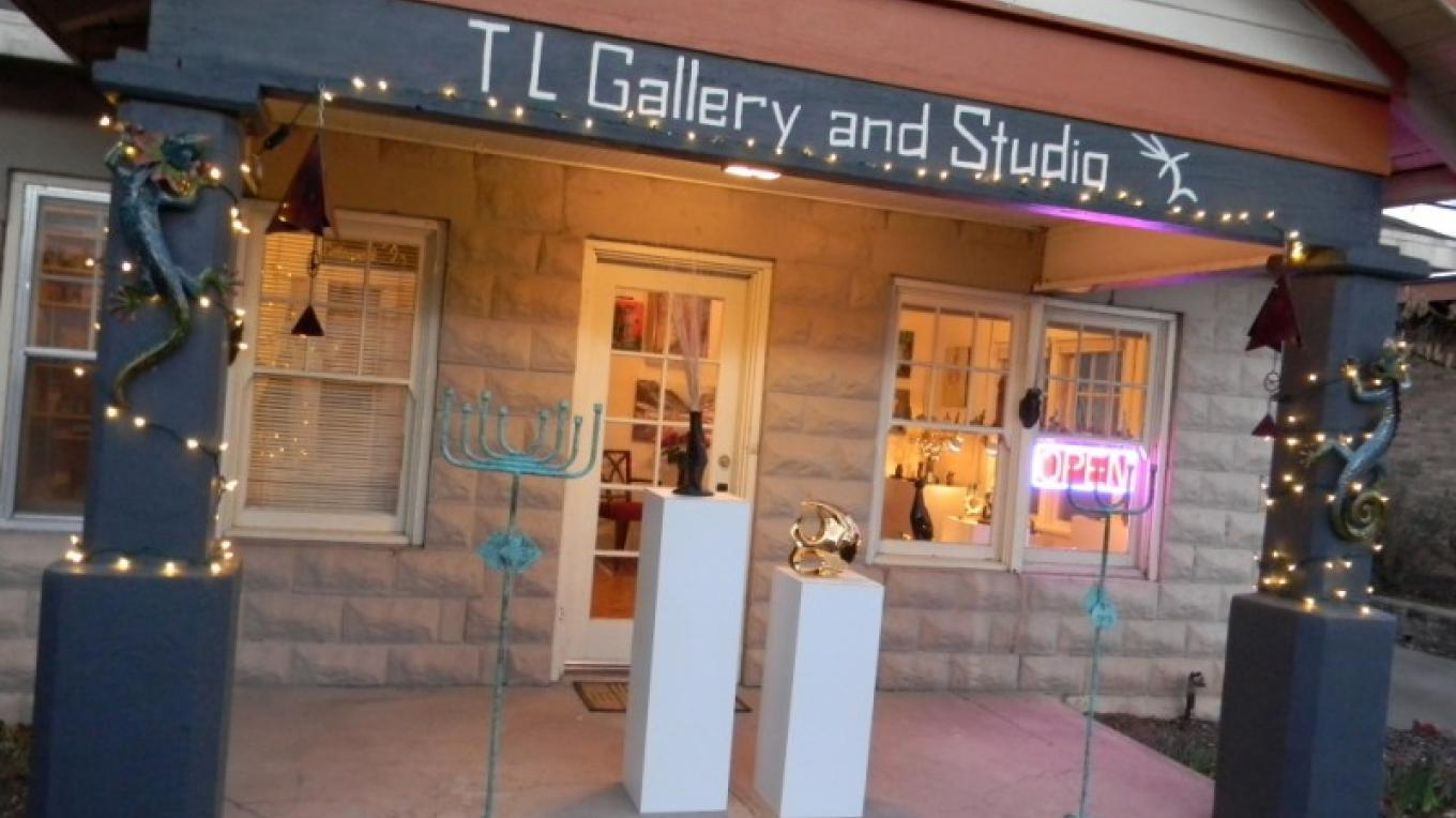 TL Gallery and Studio – Transy Lopez