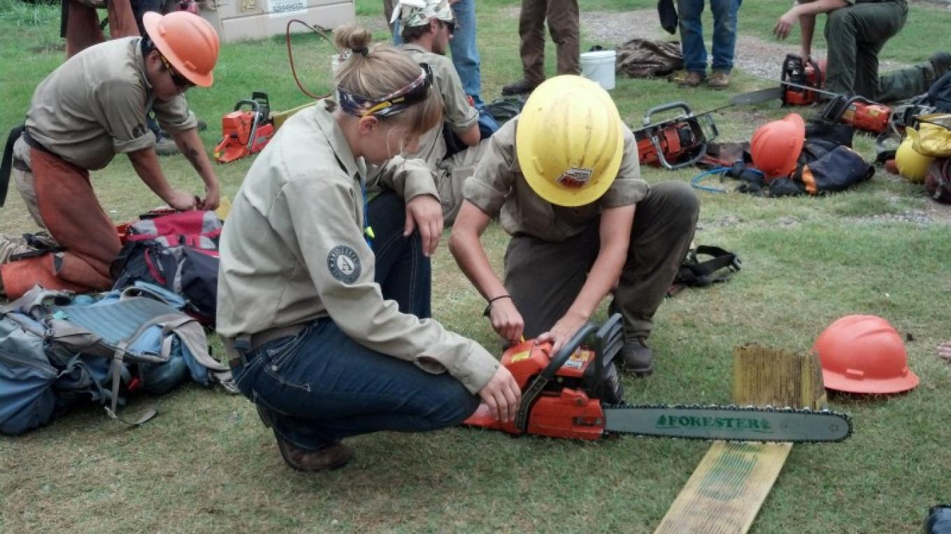 AZ Conservation Corps Crews get ready to go into the field. – Laura Jones