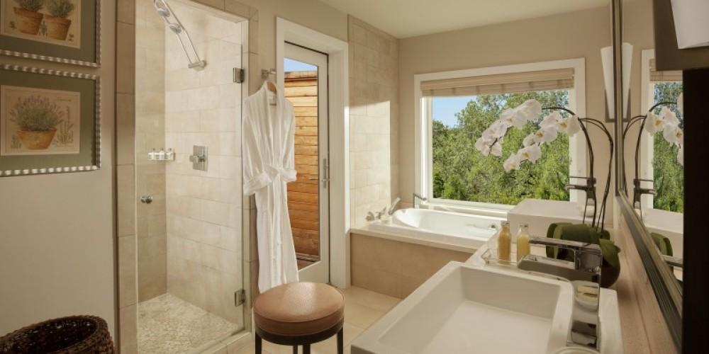 Spa Cottage Bath – Robert Miller