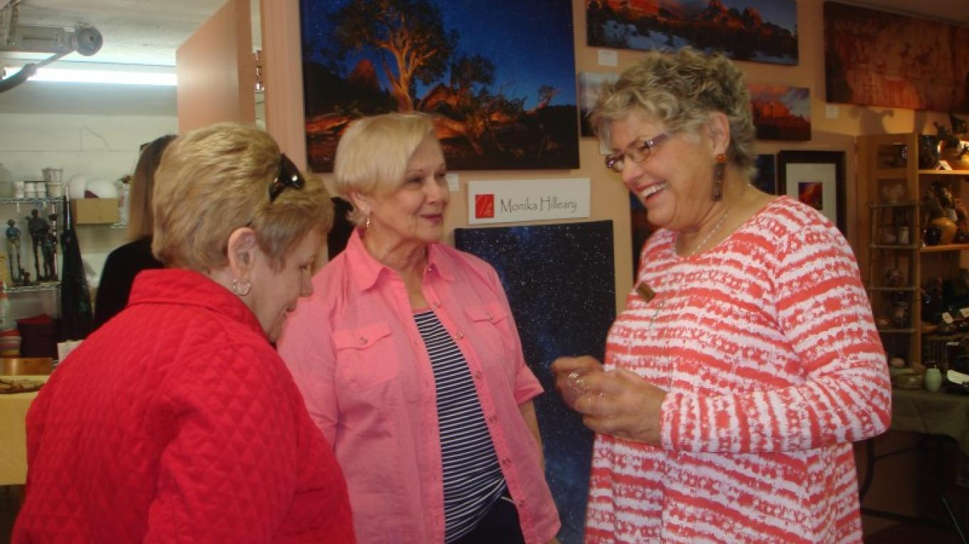 Sculptor Joanie Wolter with Studio Visitors – Melanie Lee