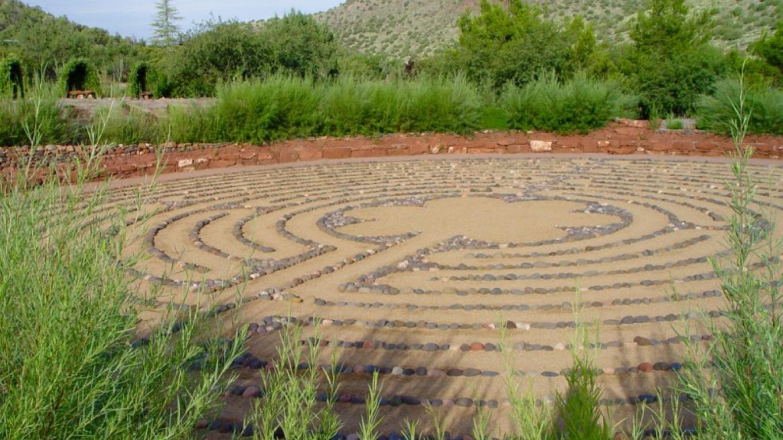 Chartres Labyrinth – Amayra Hamilton