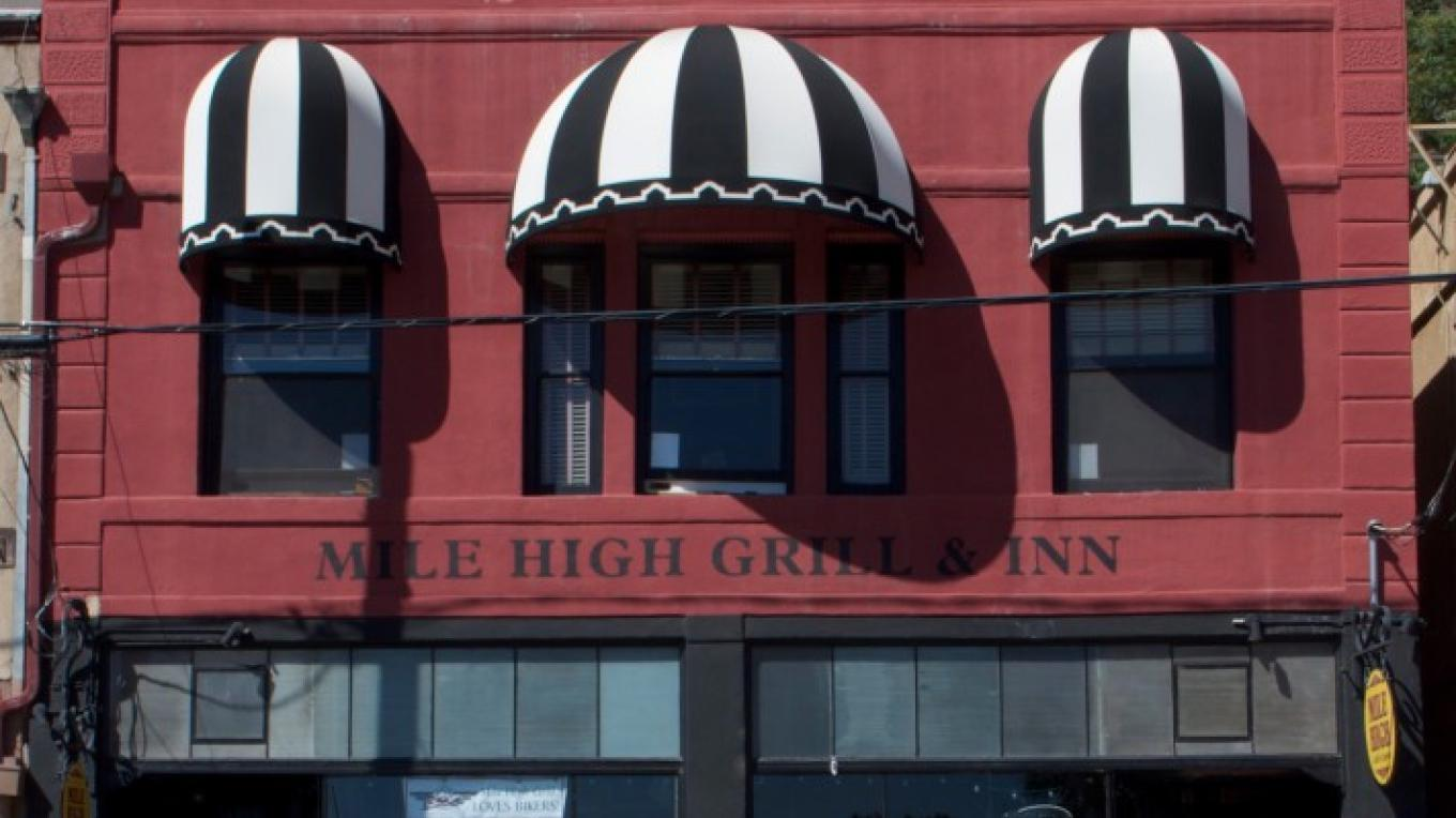 Mile High Inn and Grill – Ron Chilston