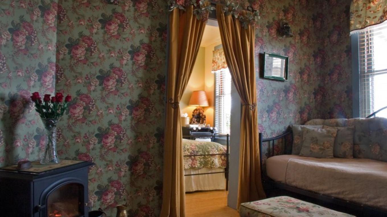 The Miner's Suite sitting room. – Allen L. Muma