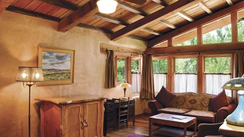 El Portal Sedona - The Rim View Suite Sitting Area