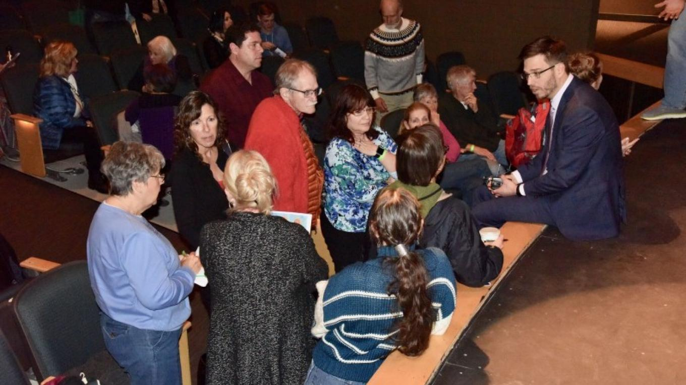 The intimate, educational character of Sedona VegFest allows for meaningful interaction with experts in the field. Here, Dr. Craig McDougall answers questions after his 2017 address. – Don Fries