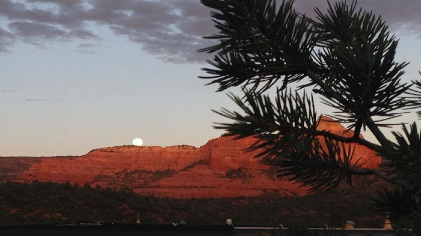 Moonshine in Sedona Sunsets – Lora lee
