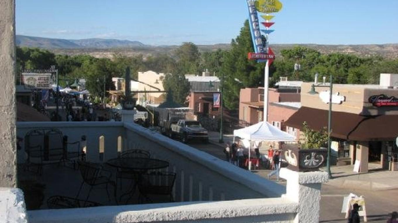 Cottonwood Hotel overlooking Main Street north. – Karen Leff