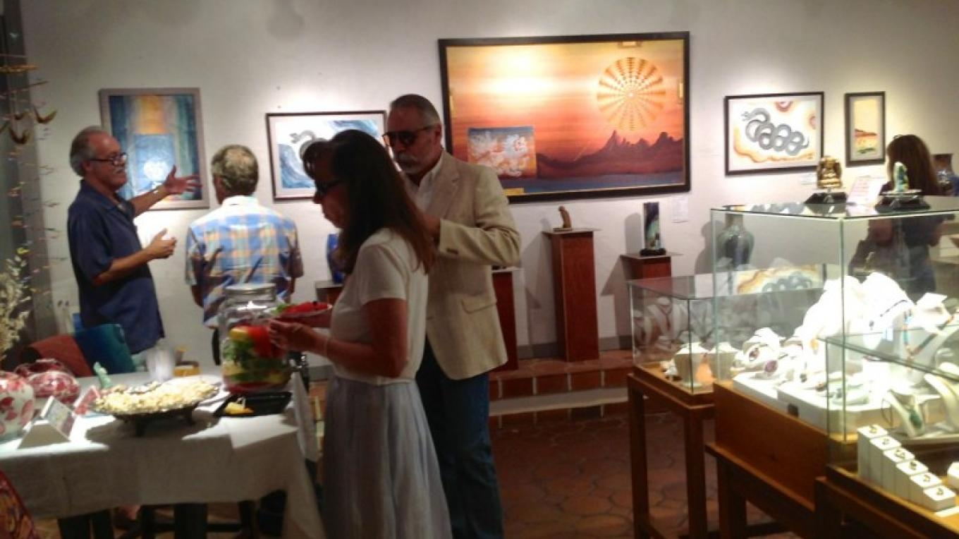 Interior Honshin FIne Art during 1st Friday in the Galleries – Mindy Mendelsohn