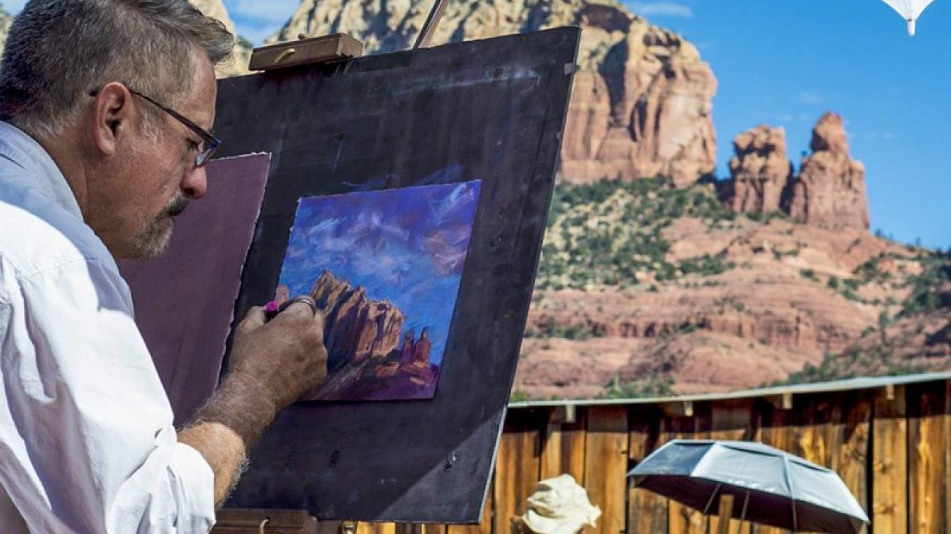 Bruce Gomez working with pastels at the Sedona Heritage Museum Paint-Out during the Sedona Plein Air Festival – Kelli Klymenko