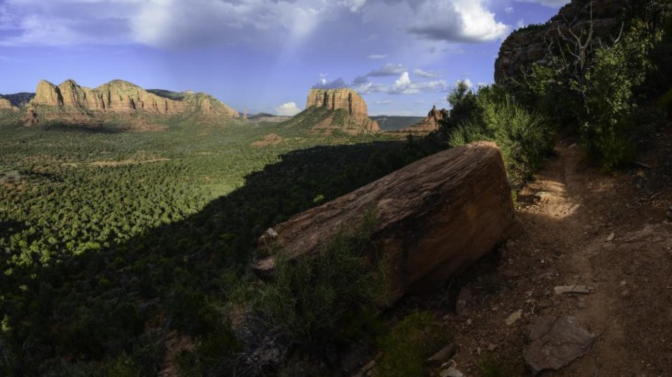 View of Courthouse and Bell Rock from Highline trail – Dalton Zanetti