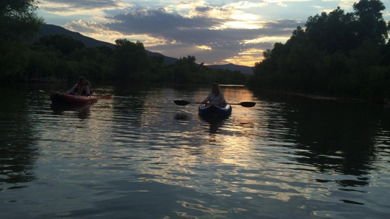 Kayaking at sunset in Camp Verde – Laura Jones