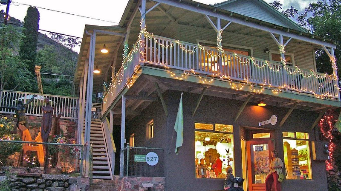 Gallery 527 in Jerome hosts a bustling art walk party every first Saturday of the month. – Donna Chesler