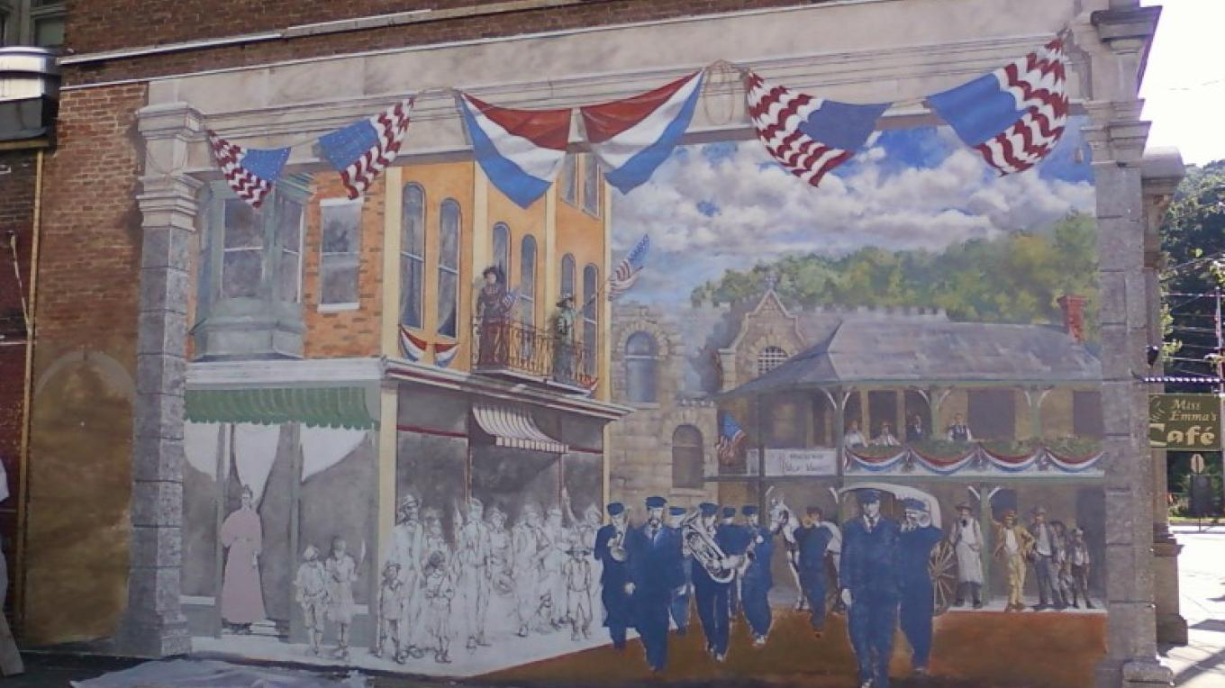 """Old Home Week"" Heritage Mural. A vision of Bangor circa 1912. – Photograph by: Totts Gap Arts Institute"