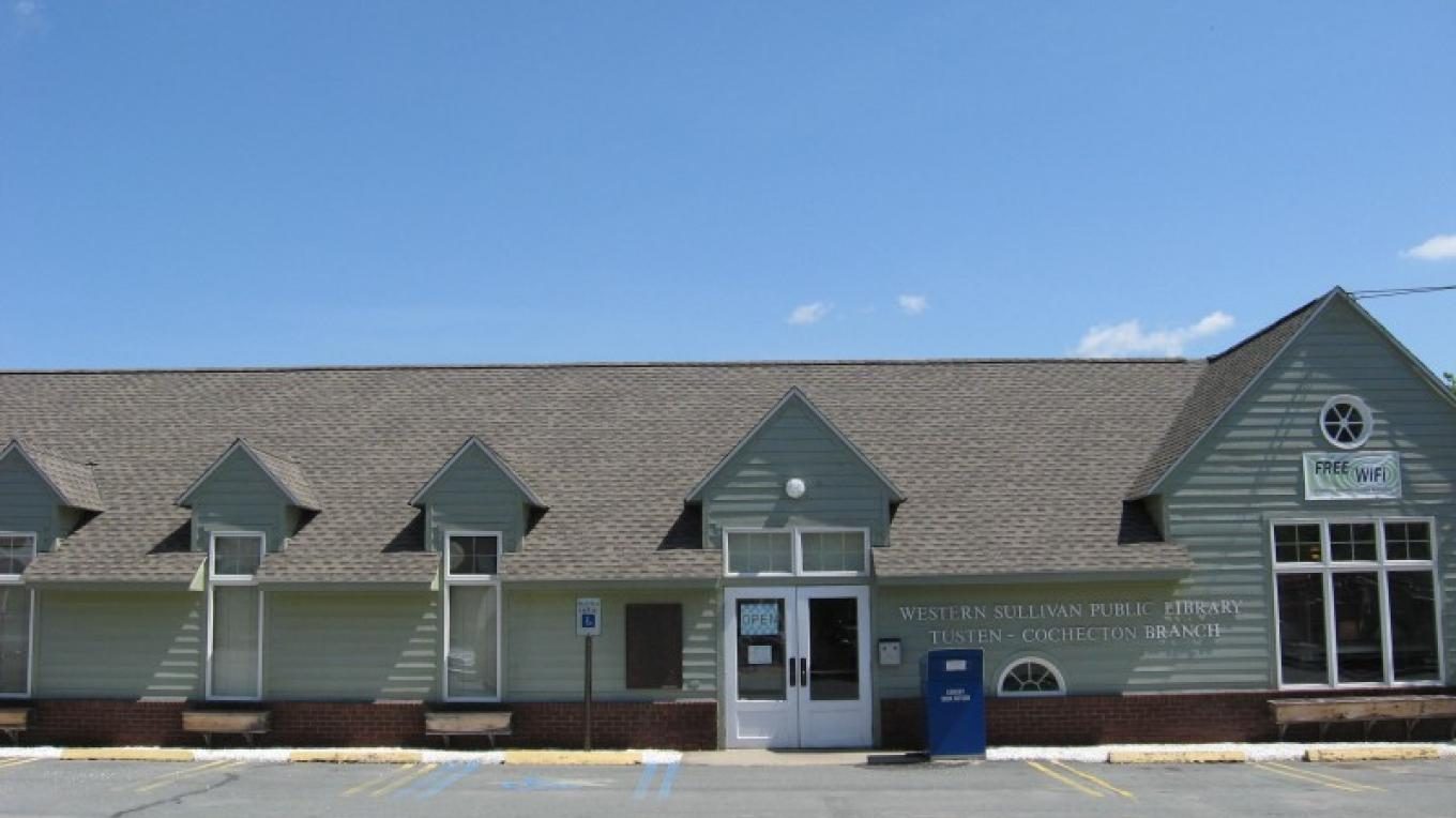 Front of the Tusten-Cochecton Branch in Narrowsburg, NY. – Western Sullivan Public Library