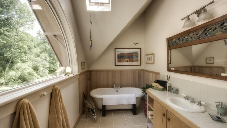 Soaking tub – Samual Quinn