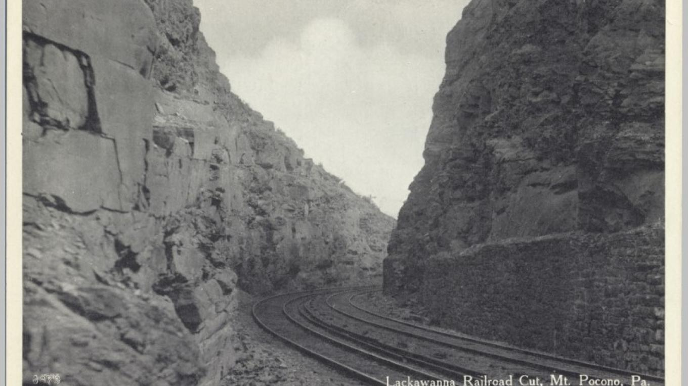 Rock cut on the DL&W Mainline at Mt. Pocono, PA. – Antique postcards believed to be at least 80 years old.