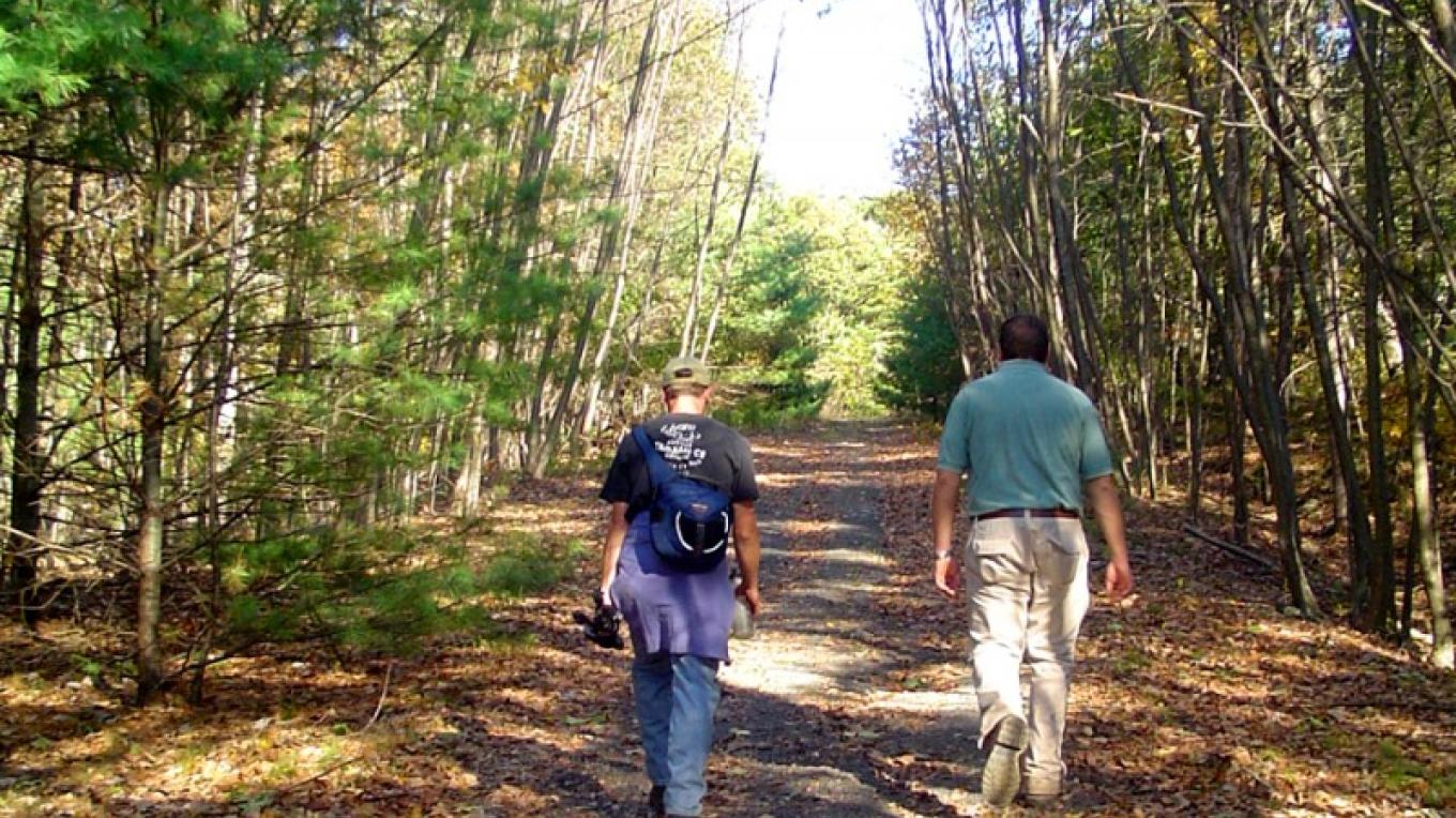 Walking the Appalachian Trail near the Shawnee Inn. – The Shawnee Inn and Golf Resort