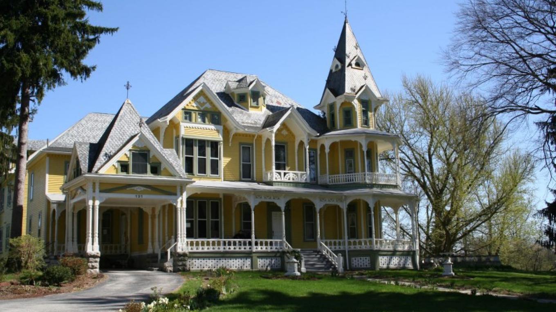Merriam House, Queen Anne, 1883, 131 Main Street – Downtown Newton Association