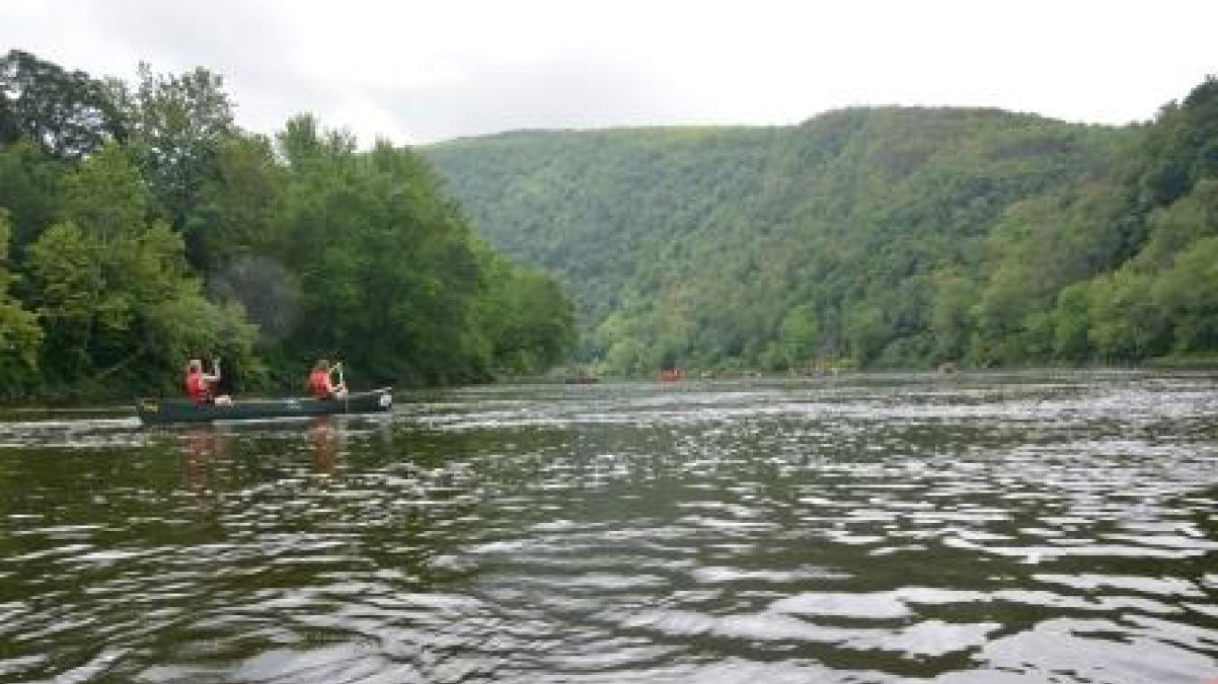 Canoeing on the Delaware River – PEEC Staff Photo