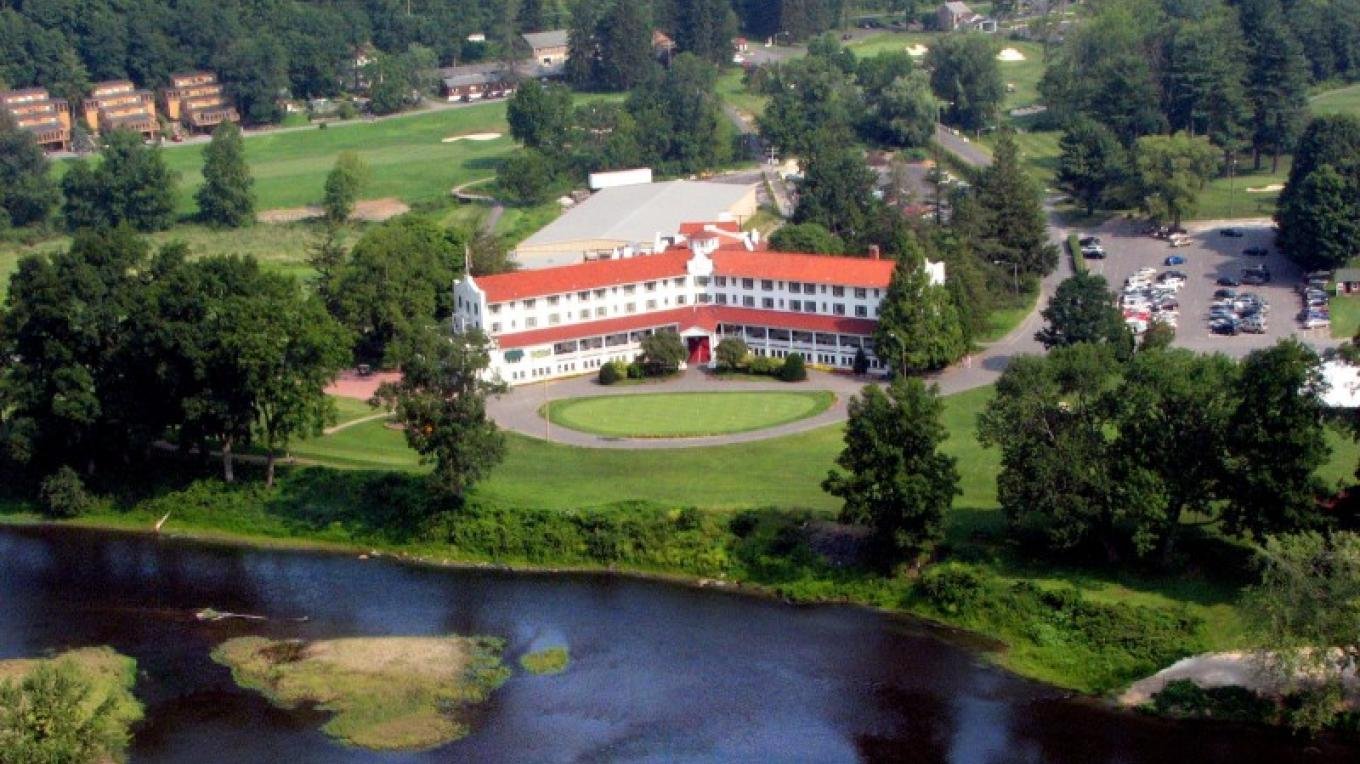 Aerial view of The Shawnee Inn and Golf Resort. – The Shawnee Inn and Golf Resort