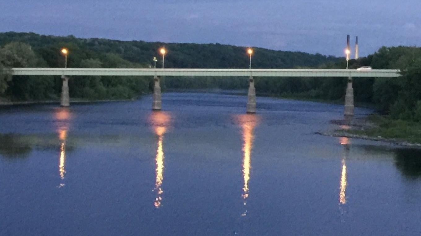 This picture was taken from the toll bridge downstream from the walking bridge. – Yvonne Gumaer