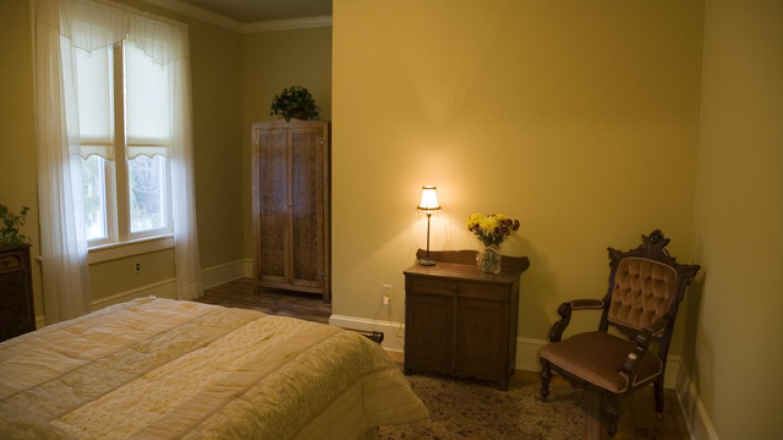 Room 303 – Photo by: Deer Head Inn