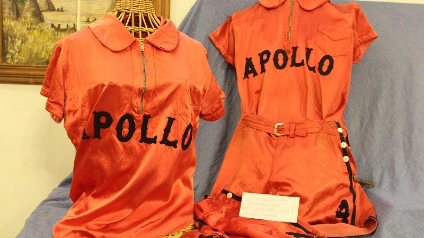 Apollo Girls' Basketball Uniforms Donated by Kathy Predmore of Wind Gap, PA in Memory of Evelyn Davies – The Slate Belt Museum