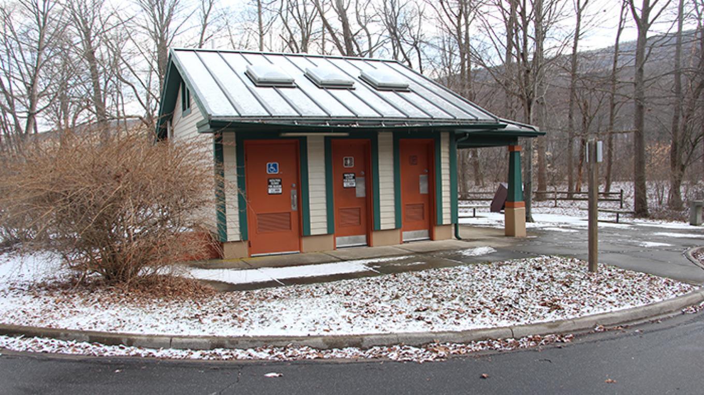 Restrooms at Smithfield Canoe Access – National Park Service