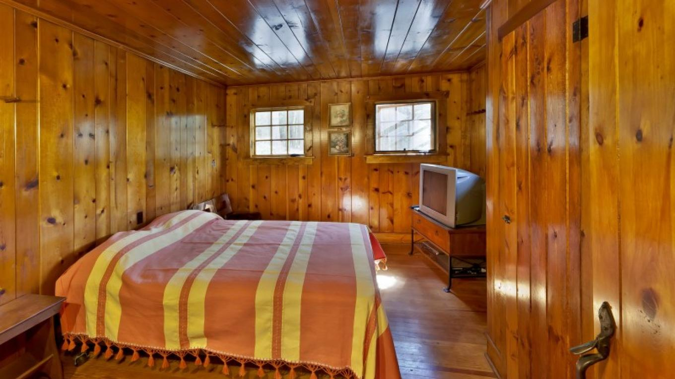 Bedroom (one of four)—Lodge – Oleg March
