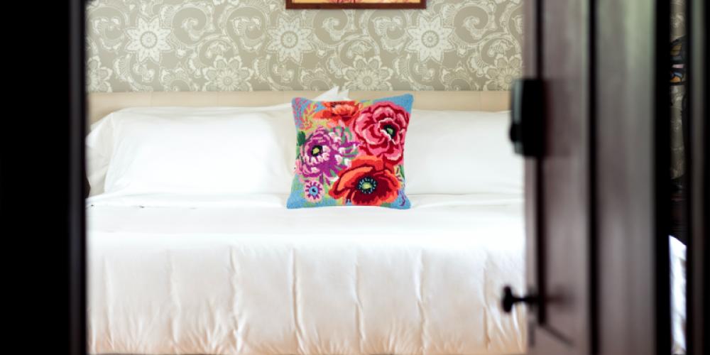 Honeymoon Suite- Old Vic