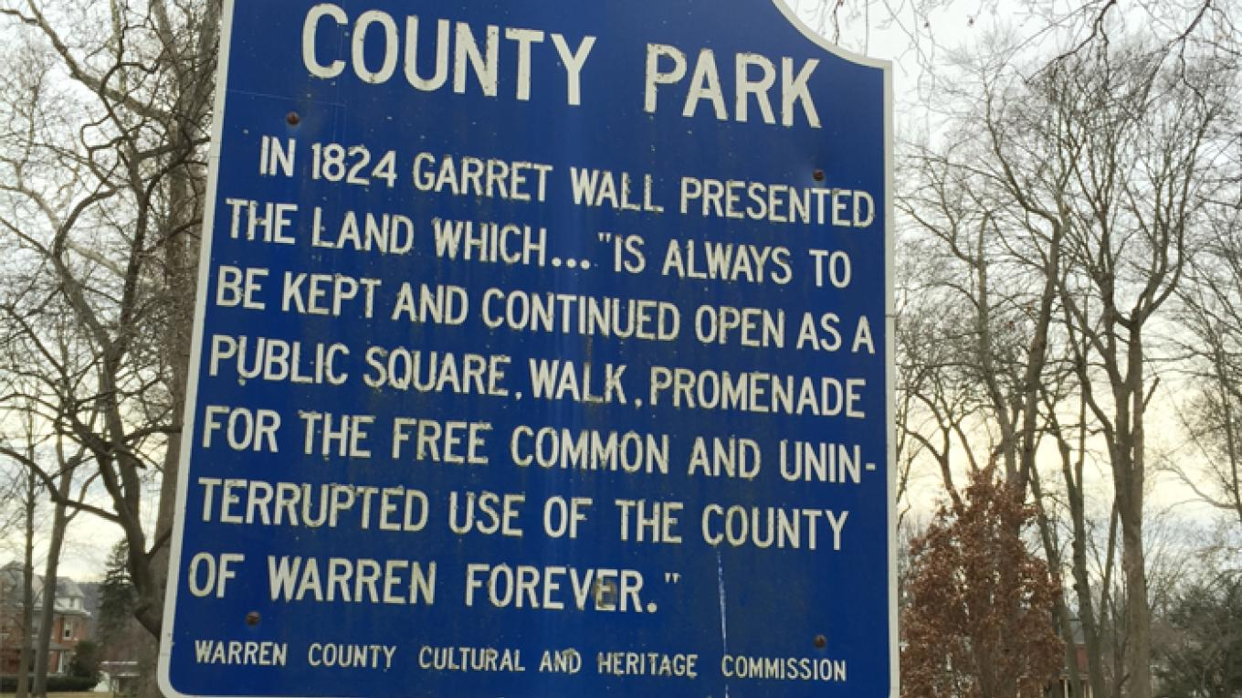 Garret Wall Park information sign – Patricia Butler