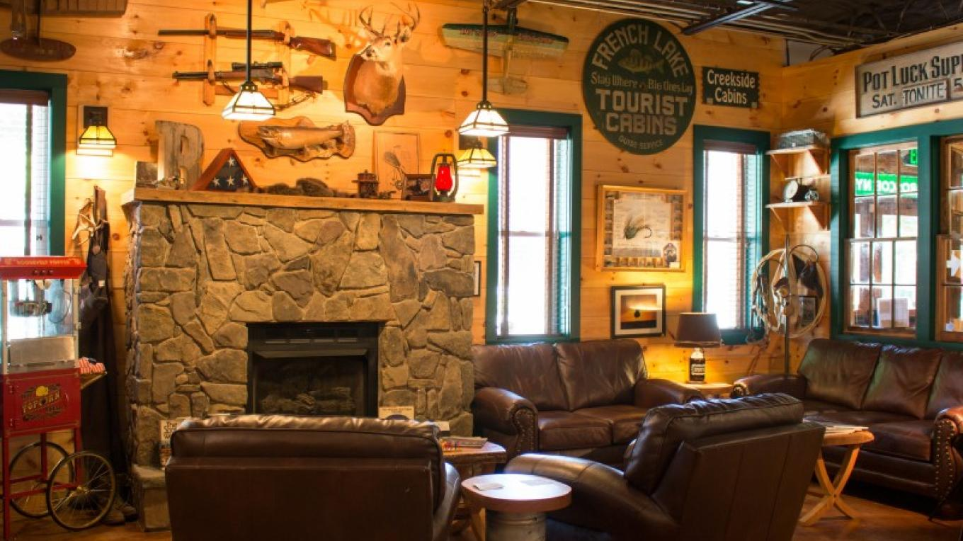 Enjoy the lounge while sampling the several beers. – The Roscoe Beer Co.