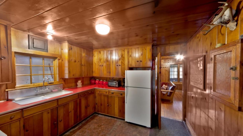 Kitchen—Lodge – Oleg March