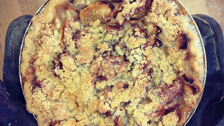 Apple Crumb Pie – Photograph by: Beach Lake Bakery