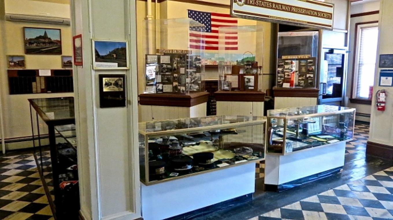 Museum display cases – Julio Petitti