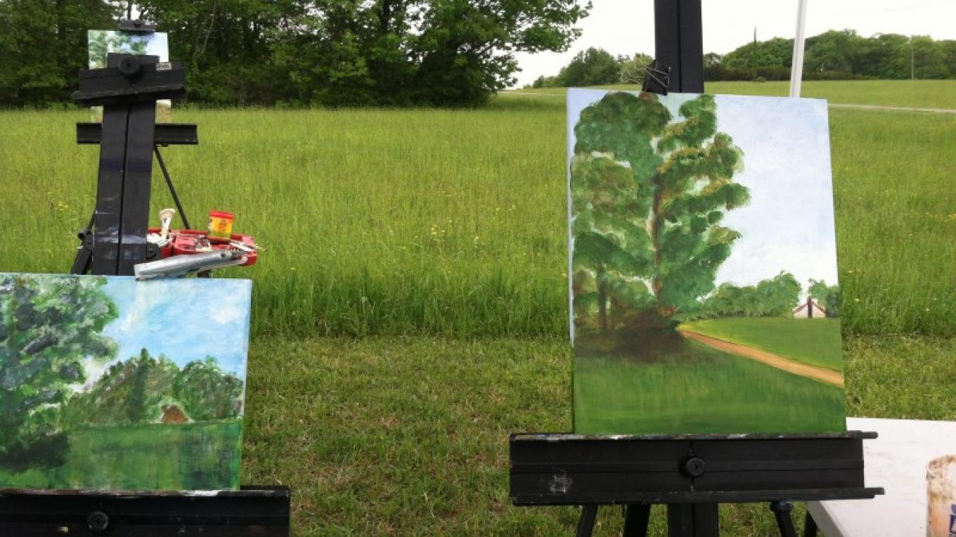 Landscape painting workshop on the grounds of TGAI. – Photograph by: Totts Gap Arts Institute