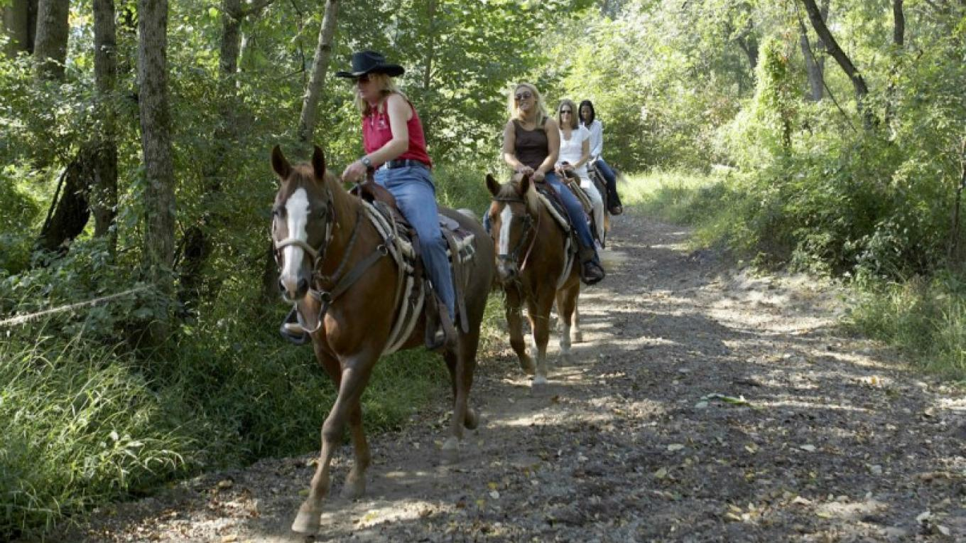 The Villas offer year-round horseback riding on trails that border the National Park. – David Coulter